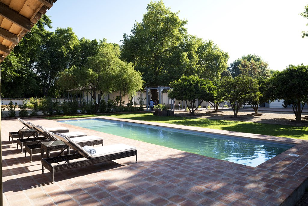 NOI Blend Colchagua Pool Day Light 2