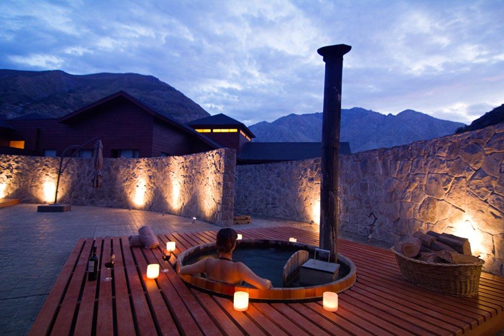 NOI Puma Lodge Spa Winter Hot Tub 1
