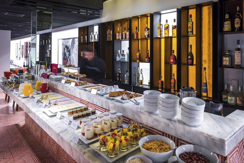 Luciano K Hotel Boutique desayuno buffete